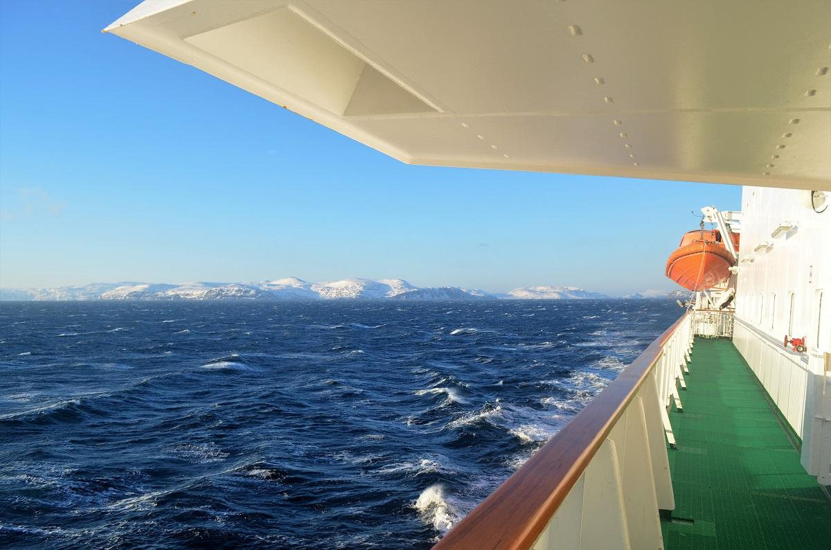 Met de Hurtigruten varen langs de kust van Noorwegen